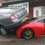 Thuê siêu xe Ferrari làm đám cưới bị tai nạn tan nát