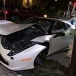 Siêu xe Ferrari 458 Italia tai nạn tan nát vì quá nhanh