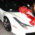 Rapper đại gia gốc Việt mua Ferrari tặng em gái kim kardashian