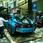 Ngắm siêu xe BMW i8 màu xanh về Hà Nội