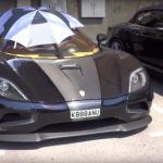 Siêu xe 1,4 triệu đô Koenigsegg Agera R dùng ô che mui