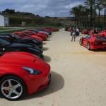 Xuất hiện hàng chục siêu xe Ferrari kỷ niệm cuộc đua