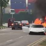 Siêu xe Lamborghini, Ferrari cháy trụi trên đường phố Singapore