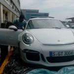 Ngắm siêu xe đua Porsche 911 GT3 RS về Việt Nam