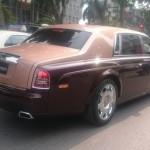 Cận cảnh Rolls-Royce Phantom lửa thiêng biển Hà Nội