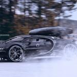 Siêu xe Bugatti Chiron khoe dáng trên tuyết lạnh