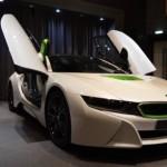 Siêu xe BMW i8 màu trắng xanh độc đáo