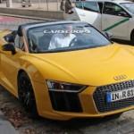 Chiêm ngưỡng siêu xe Audi R8 mui trần trên phố
