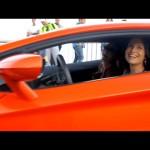 Cô nàng xinh đẹp lái siêu xe Lamborghini Aventador nổi bật