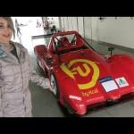 Chân dài xinh đẹp lái siêu xe ở giải đua công thức