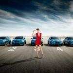 Ngắm siêu mẫu khoe dáng bên xe sang BMW M2
