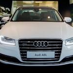 Công Vinh khoe tặng vợ Audi A8L giá 5 tỷ