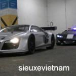 Siêu xe Ferrari của cảnh sát rượt đuổi siêu xe Audi R8