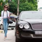 Ngọc Trinh xinh đẹp cùng xe siêu sang Bentley