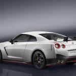 Ra mắt siêu xe mạnh mẽ Nissan GT-R NISMO 2017