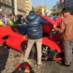 """""""Sĩ gái"""" thiếu gia đâm nát siêu xe Ferrari Laferrari triệu đô"""