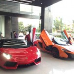 Bộ đôi siêu xe khủng đi bảo dưỡng ở Hà Nội
