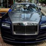 Xe siêu sang Rolls Royce Wraith mới của Phan Thành trên phố