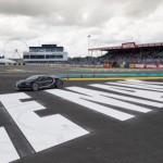 Siêu xe đua ở Le Mans chịu thua Bugatti Chiron