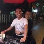 Phan Thành và Minh nhựa đạp xe đi bán khoai