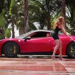 Chồng ngoại tình chân dài dùng búa đập siêu xe Ferrari 458 Italia