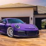Siêu xe Porsche 911 GT3 RS màu tím thể thao