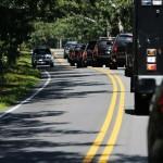 Chục siêu xe hộ tống tổng thống Mỹ đi chơi Gôn