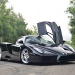 Siêu xe Ferrari Enzo màu đen dùng 13 năm bán giá 3,4 triệu đô
