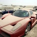 Dàn siêu xe khủng bị vứt bỏ không thương tiếc ở Dubai