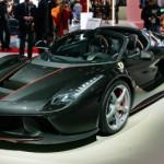 Chưa bán siêu xe Ferrari LaFerrari Aperta đã cháy hàng