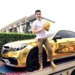 Thiếu gia Thái Lan siêu giàu bọc vàng siêu xe, hàng hiệu