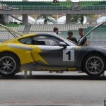 Ngắm siêu xe đua Porsche Cayman GT4 về Malaysia