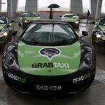 Ngắm dàn siêu xe khủng của hãng Taxi Uber và Grab