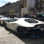 Cặp siêu xe khủng Lamborghini Centenario và LaFerrari đọ dáng trên phố