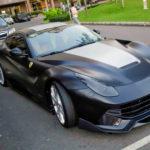 Siêu xe Ferrari F12 Berlinetta độ màu trắng đen của Cường đôla