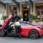 Đại gia Monaco mua siêu xe McLaren 720S đi làm hằng ngày