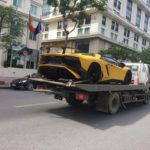 Siêu xe Lamborghini Aventador SV Roadster trên phố Hà Nội