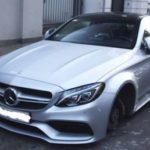 Siêu xe Mercedes-AMG C63S Coupe bị ăn trộm tất cả bánh xe