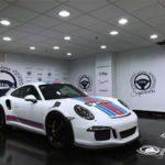 Chi tiết siêu xe Porsche 911 GT3 RS khoác áo Martini Stripes