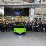 Lamborghini bán được tròn 10.000 siêu xe Huracan