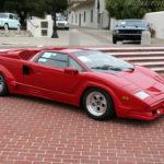 Dàn siêu xe Ferrari nhái lộ liễu trên phố