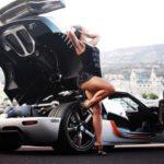 Tay đua nữa mua siêu xe Koenigsegg One giá 3 triệu đô