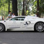 Bugatti Veyron gần 2 triệu đô tái xuất trên phố Việt