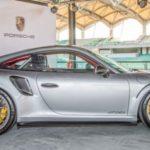 Vẻ đẹp lung linh của siêu xe Porsche 911 GT2 RS