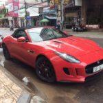 Xế khủng Jaguar F-Type R mui trần ở phố biển Nha Trang