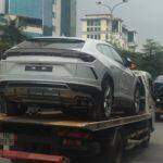 Cặp Lamborghini Urus tuyệt đẹp trên đường phố Việt