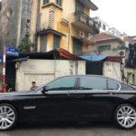 BMW 750 Li dùng 10 năm giá chỉ bằng Toyota Camry mới