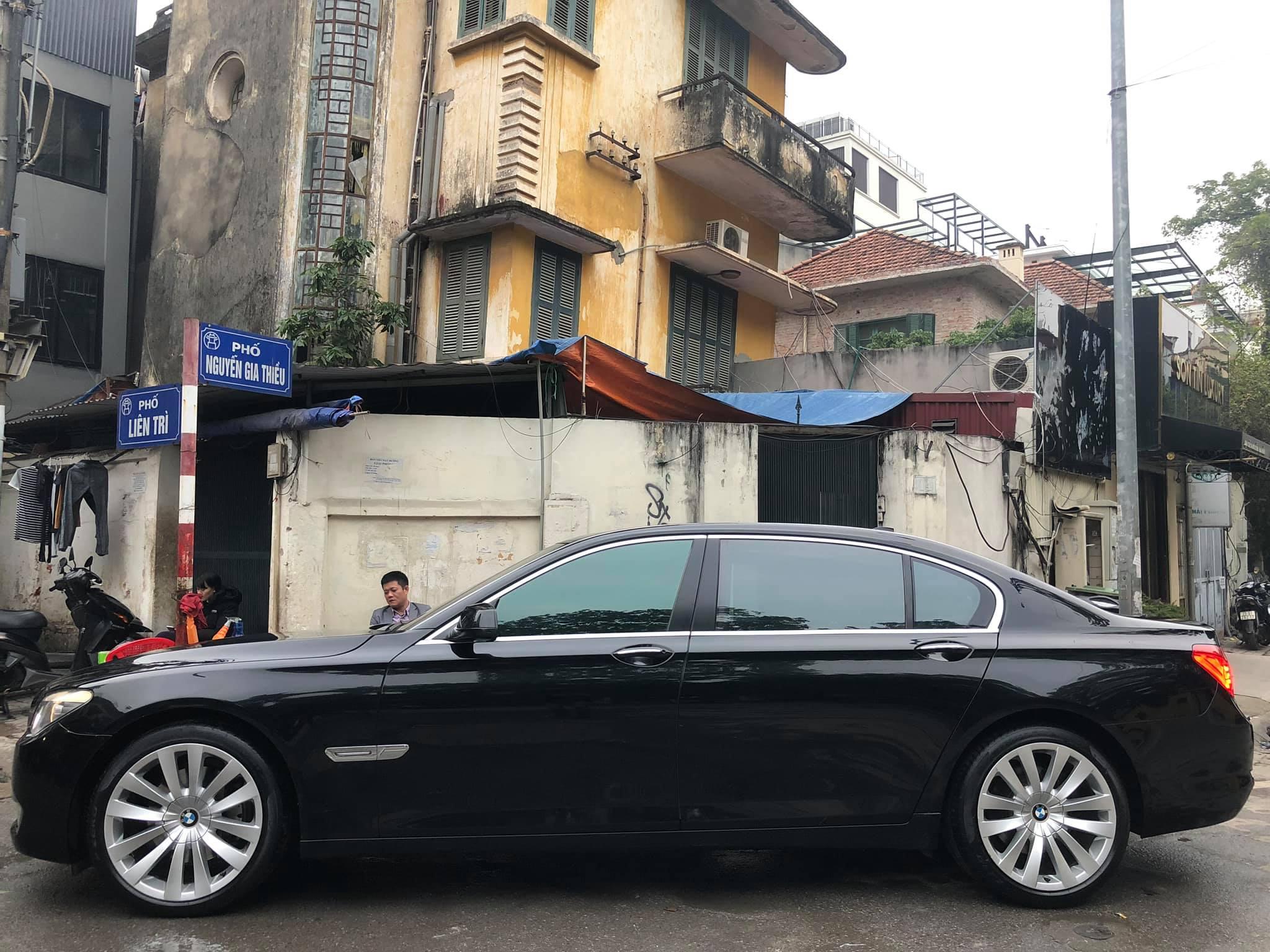 Xe BMW 750 Li đời cũ bán lại giá rẻ