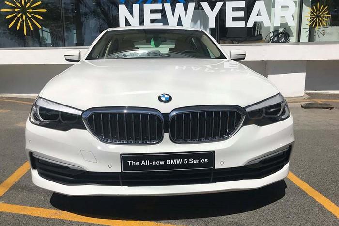 Xe sang BMW đẹp mới về Việt Nam