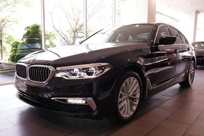 Xe sang BMW cỡ trung cho người giàu
